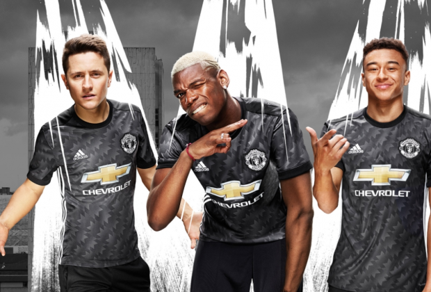 Gallery  Manchester United Unveil New 2017 18 Away Kit bc9b5cec0