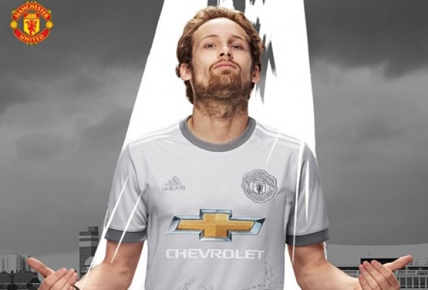 7fe47955526 Gallery: Manchester United Unveil New Third Kit