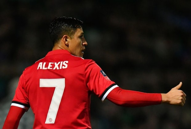 online retailer 4c657 f3243 David Beckham: How I Feel About Manchester United Signing Alexis