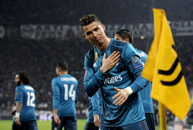 6b7fe1ea2 Cristiano Ronaldo On His Wonder Goal   Ovation From Juventus Fans