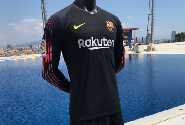 low priced b4f6b dcec6 Gallery: FC Barcelona Unveil New Nike 2018/19 Home Kit