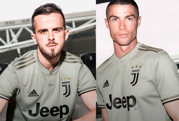 huge discount 35e7f 40232 Gallery: Juventus Unveil New 2018/19 Away Kit