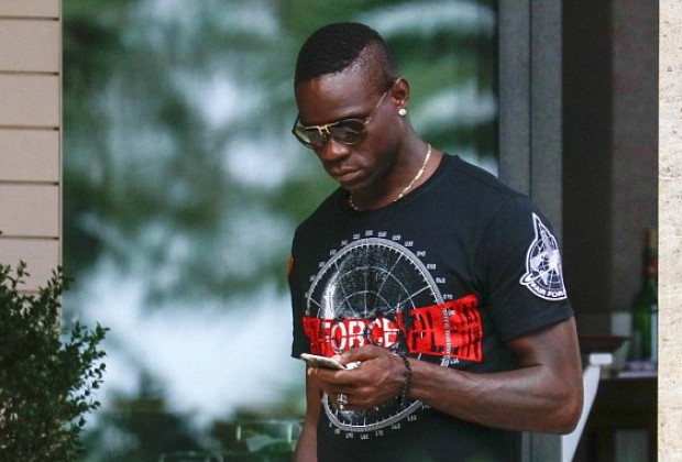 Does Balotelli Have New A GF?