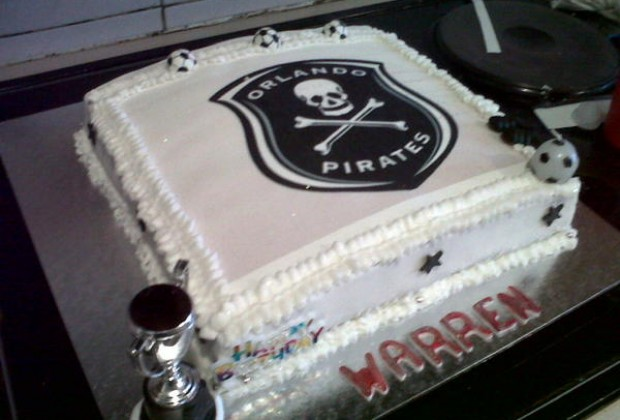 0f676fa39a7 Fan Receives Specially Designed Bucs Cake