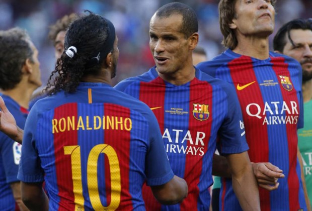 official photos 60372 436bb Reports: FC Barcelona To Distance Themselves From Ronaldinho ...