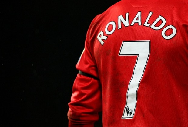 wholesale dealer 46c9f 53468 Cristiano Ronaldo's Legacy Weighs Heavy On Manchester ...